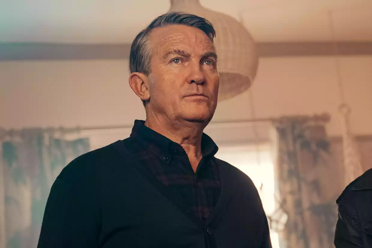 genial-productions-The-Larkins-Bradley-Walsh